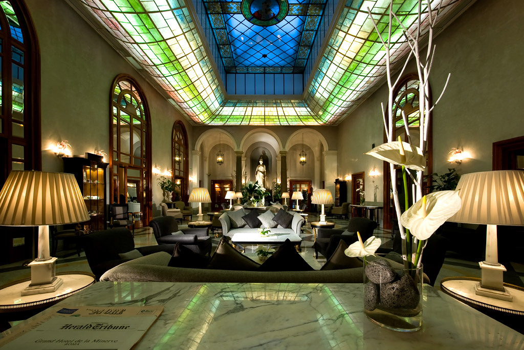Photogallery of deluxe grand hotel de la minerve roma for Grand hotel rome